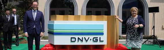 DNV GL Group President & CEO Remi Eriksen and Norwegian Prime Minister Erna Solberg open DNV GL's new Shanghai office